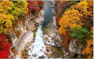 大露天風呂 宝川温泉 あわびの陶板焼きとふぐ鍋 諏訪峡散策